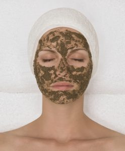 Maskergezicht Bio-Peeling_Treatment